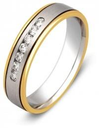 Обручальное кольцо из комбинированного золота с бриллиантами (000212)