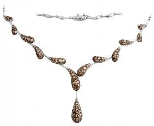 Колье с белыми и коричневыми бриллиантами из белого золота (002989)