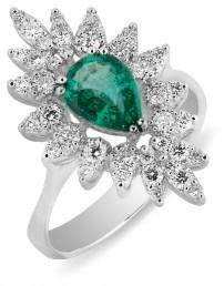 Кольцо с изумрудом и бриллиантами из белого золота (012476)